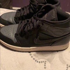 Jordan 1 retro mid black dark grey